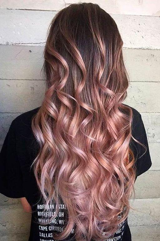 Ondas voluptuosas en rosa dorado
