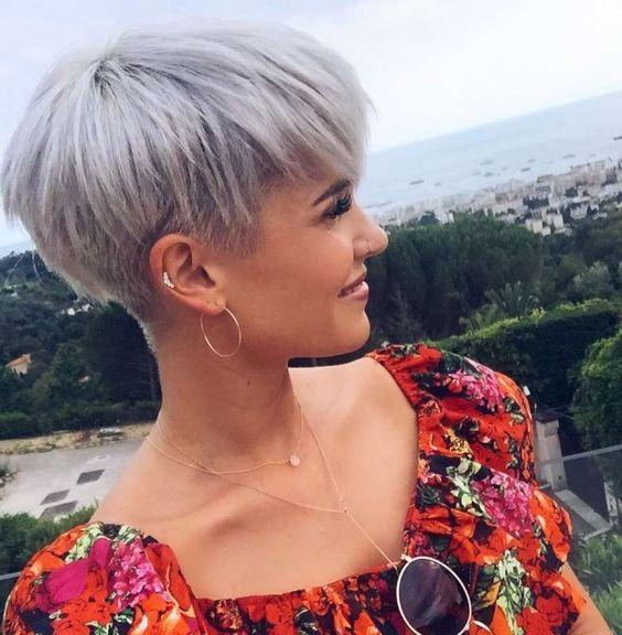 10 Peinados Fabulosos Para Cabello Fino Y Corto Lirish Salon