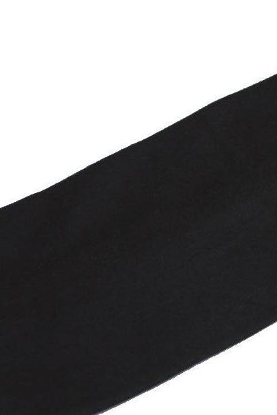 diadema negra