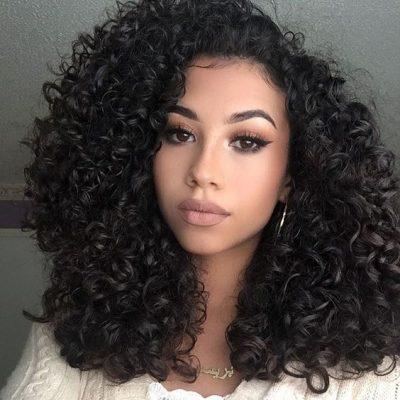 cabello rizado negro