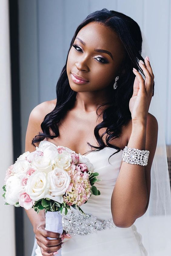 11 Peinados Hermosos Para Novias Con Cabello Afro O Rizado